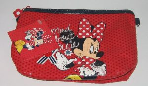 minnie-mouse-mad-about-minnie-toilettas-roodzwart